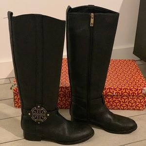 Tory Burch -Black leather riding boot